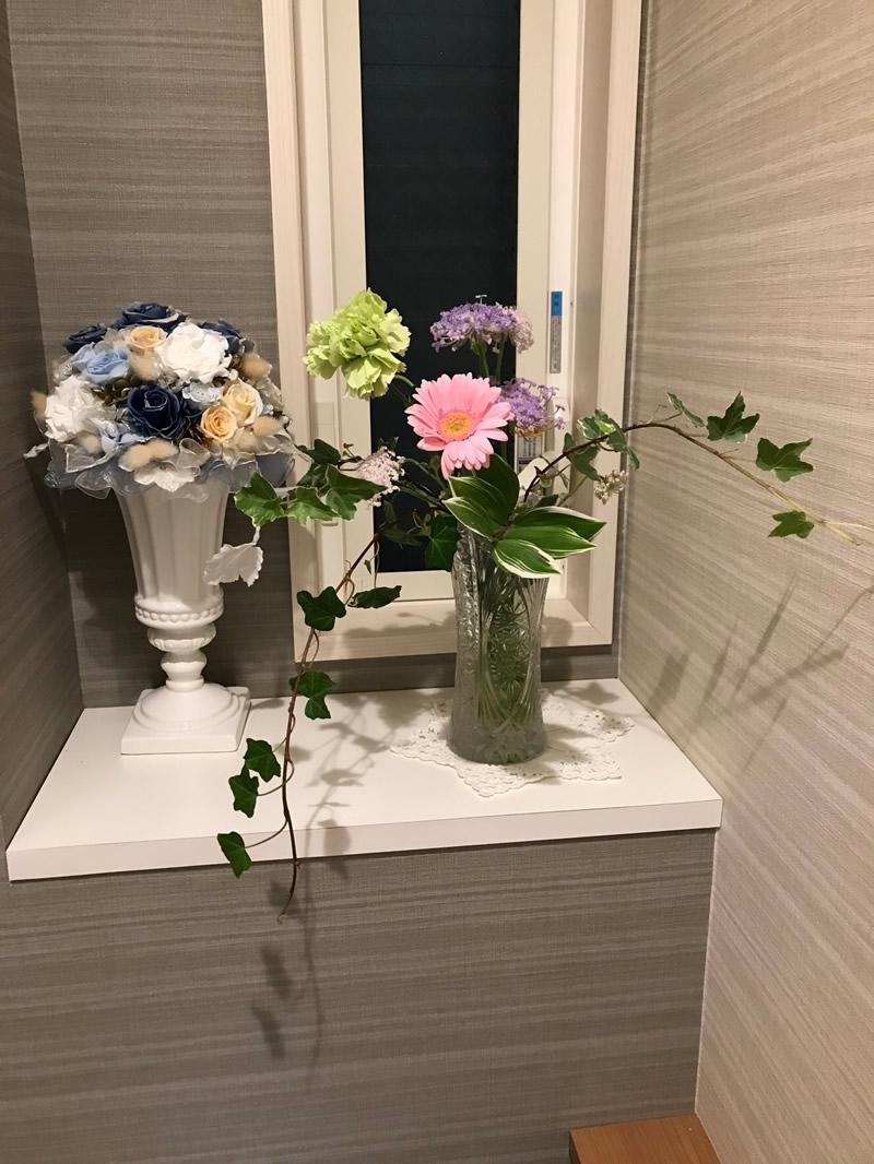 トイレの花 - パステルカラーでまとめて…