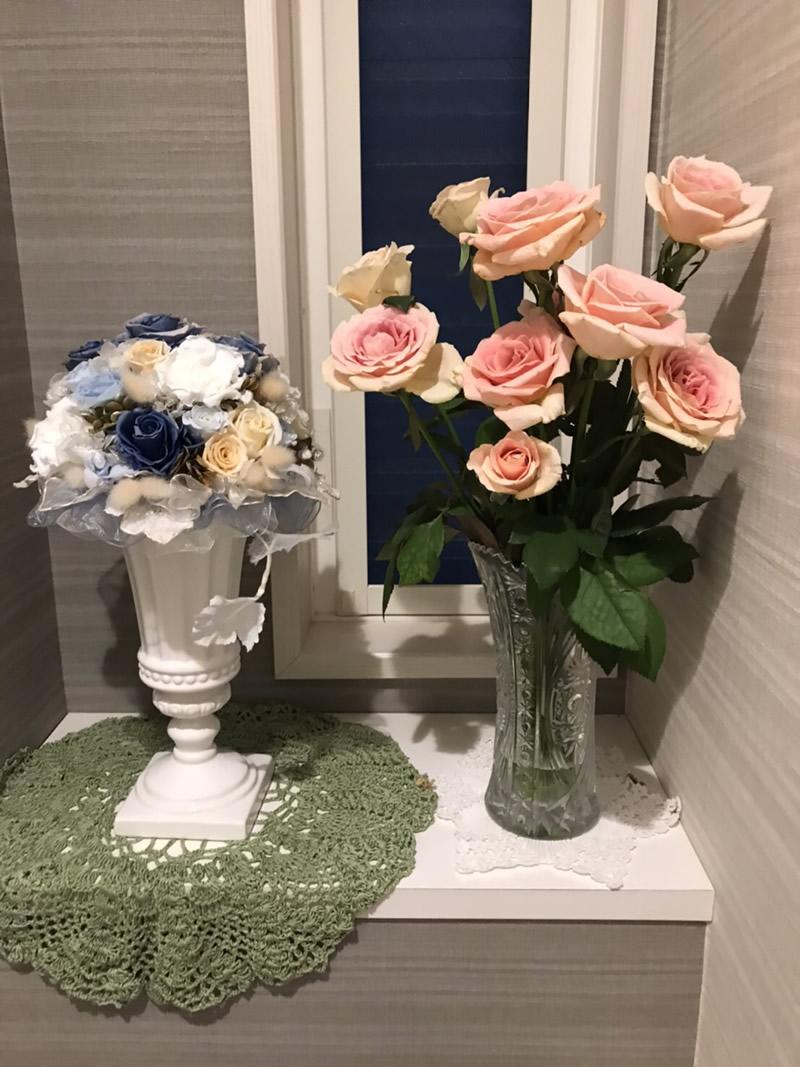 1階トイレ - 鴇色の薔薇