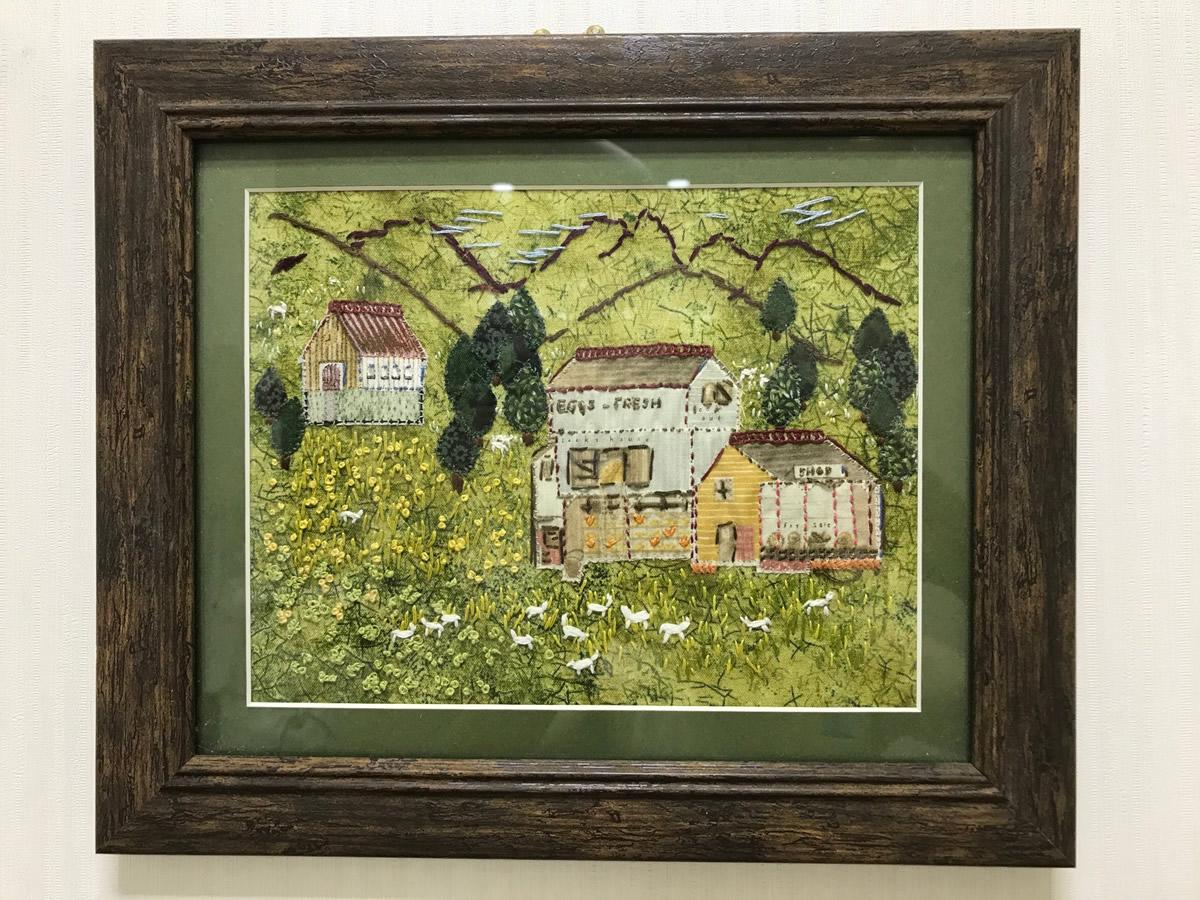 1階左チェア前 - 布と糸で描く秋の風景