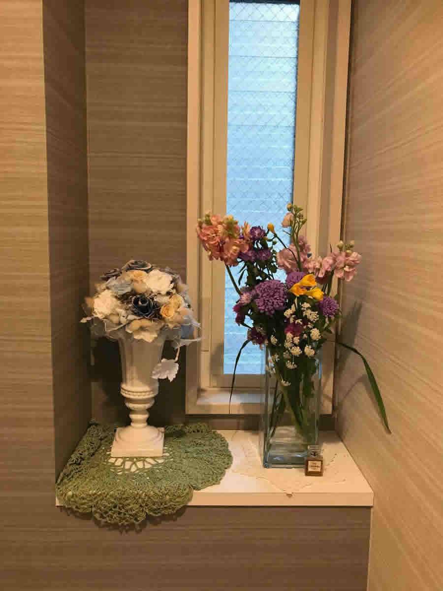 1階トイレ - ストック 芍薬 フリージア